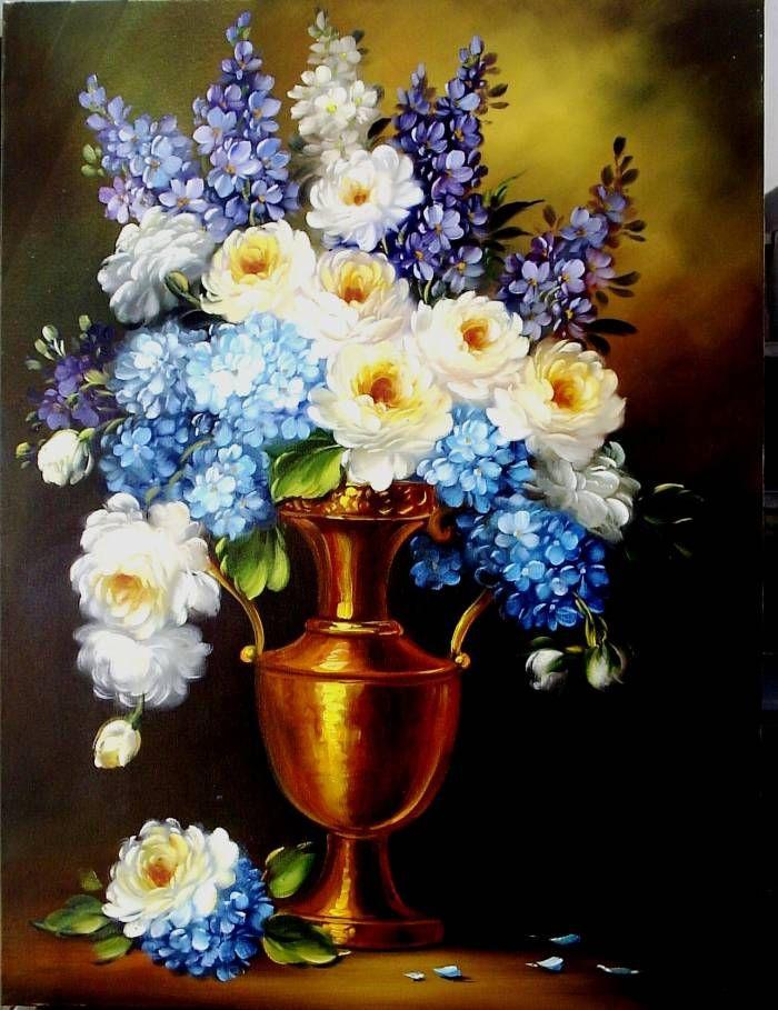 Hortensias y rosas blancas
