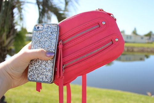lifequ4rd:  my phone and purse c: