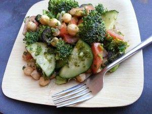 Veggie Crunch Salad - A healthy salad full of vegetables and a light vinaigrette. #Cleaneating #paleo #glutenfree #vegan