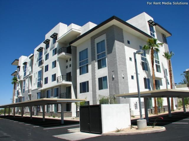 Ninety Degrees Apartments Scottsdale Az Apartments Homes Com Condos For Rent Renting A House House Styles