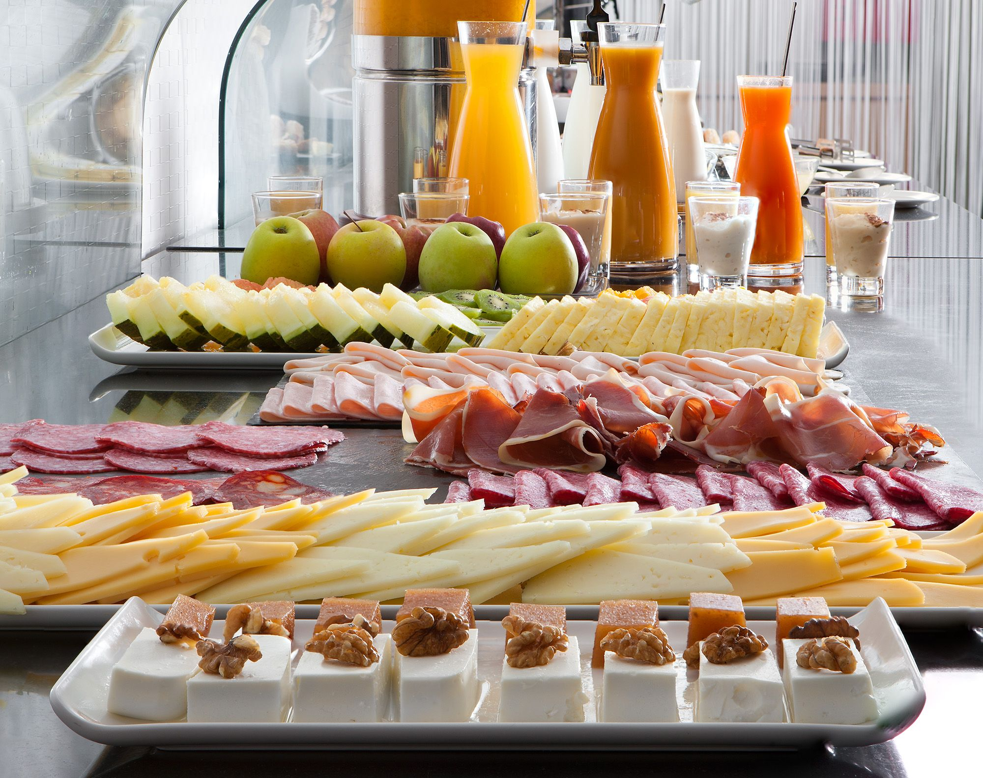 Buffet Blanc Style New York - Continental Breakfast Buffet Pinteres [mjhdah]https://images1.houstonpress.com/imager/u/original/8309866/agrandeballroombrunch.jpg