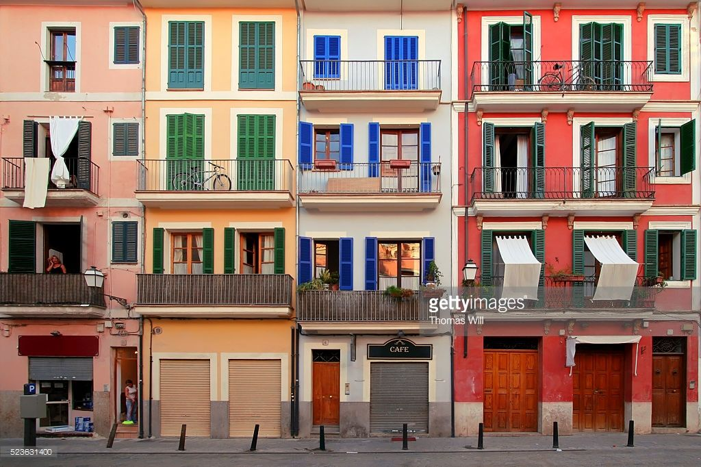 Spain, Mallorca, Palma de Mallorca, coloured multi-family houses