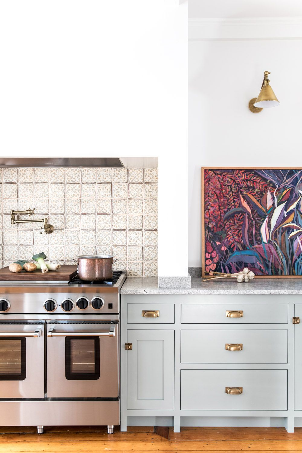 A Shaker Style Kitchen For A 30 Something Couple In Maine Rue Shaker Style Kitchens Kitchen Interior Kitchen Styling