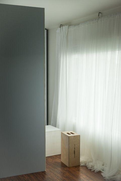 Using V-Flats with Backlit Portraits via @photofocus1 #phototips #photography