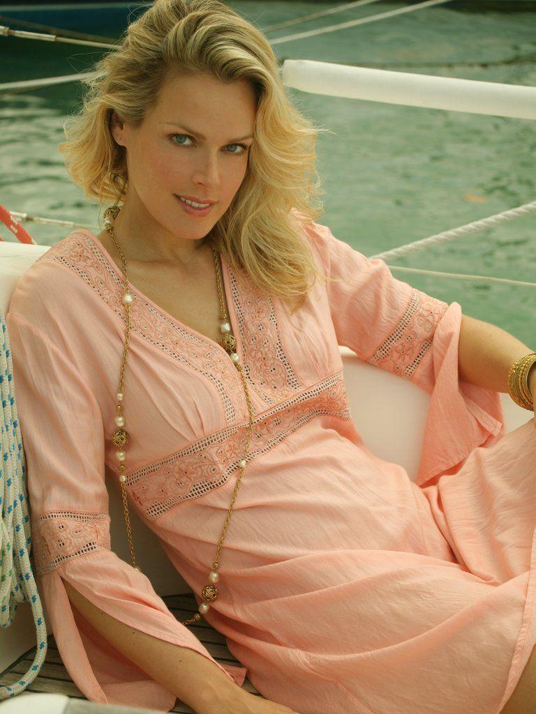 Arabella Holzbog,Betsy Sodaro XXX clip R. J. Adams,Carmen Serano