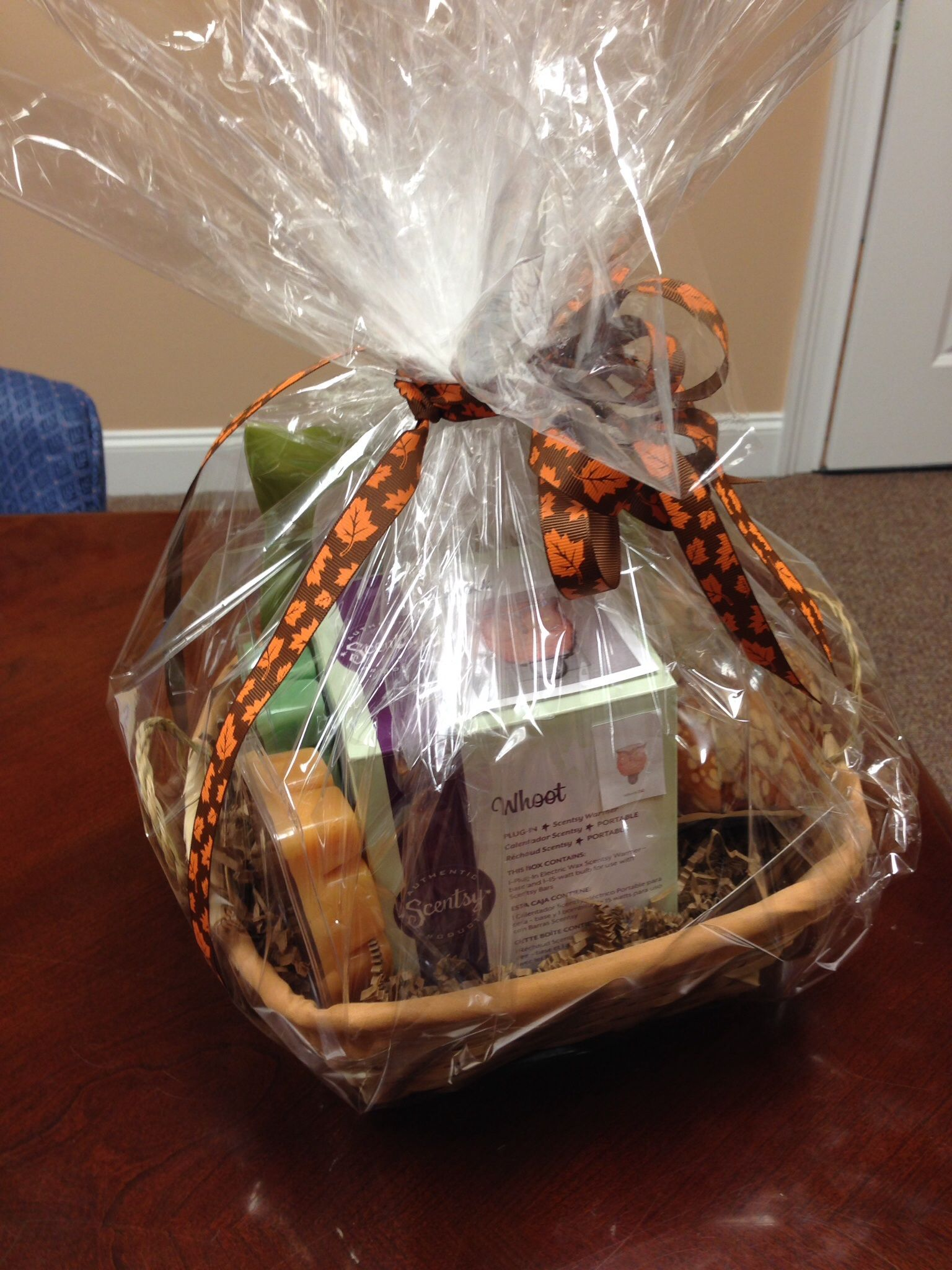 gift basket ideas fall theme with whoot scentsy fall gift baskets gift baskets fall gifts. Black Bedroom Furniture Sets. Home Design Ideas