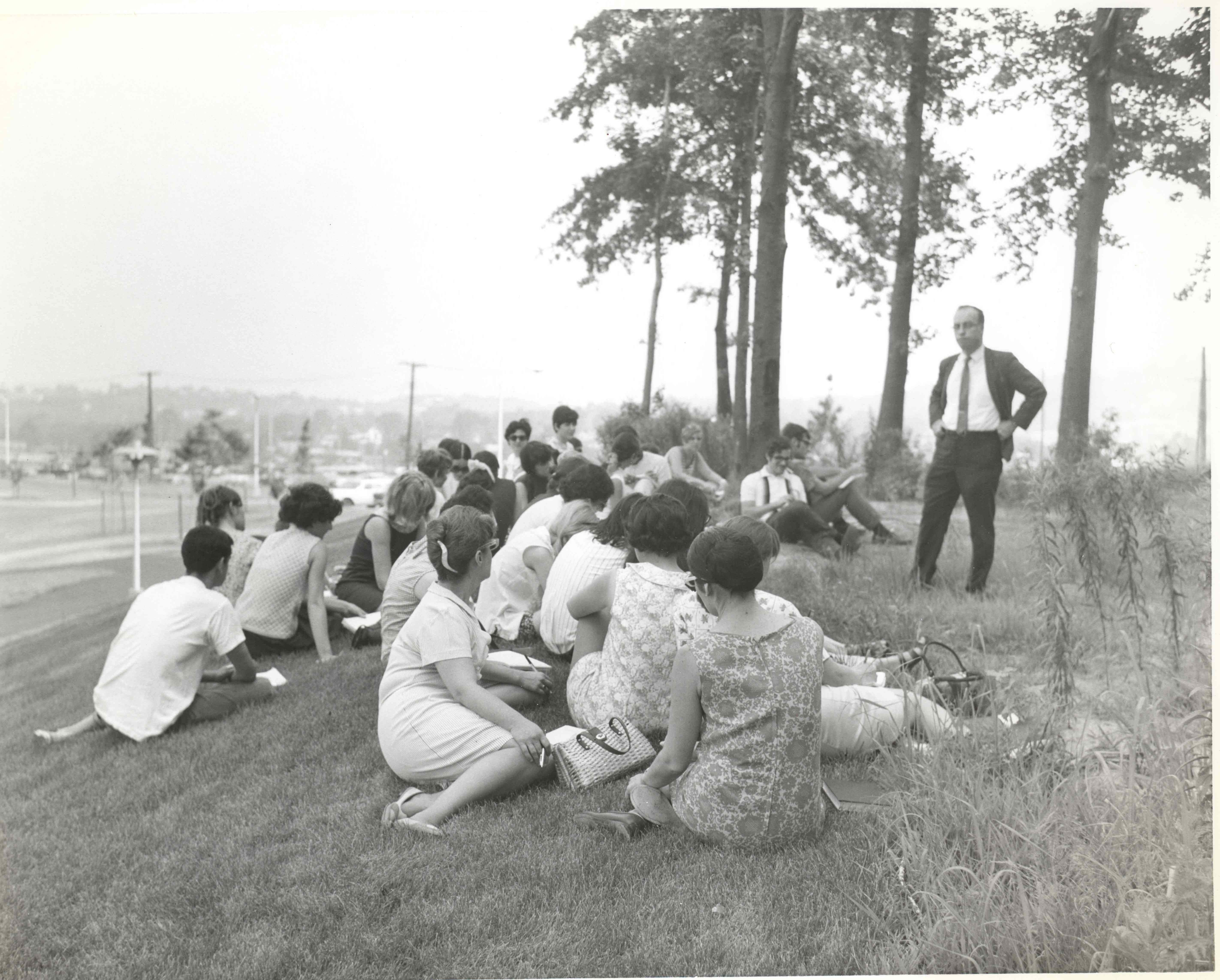cm1 students having class outside 1968