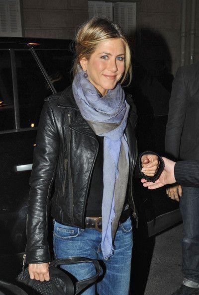 Jennifer Aniston Actress Jennifer Aniston goes to eat at Le Stresa restaurant wearing a leather jacket.