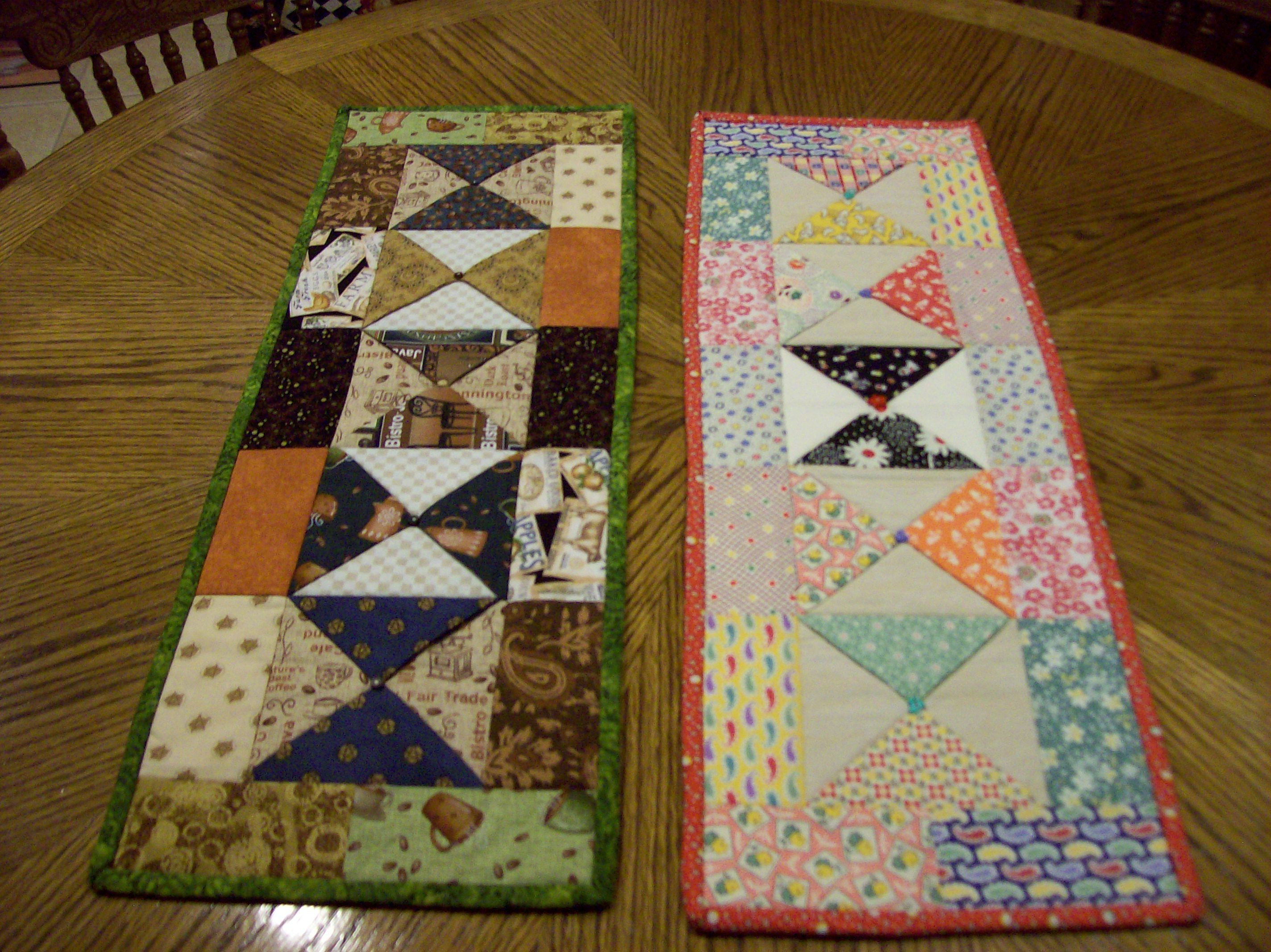 Charm Pack Table Runners Quilted Table Runners Patterns Quilted Table Runners Table Runner Pattern