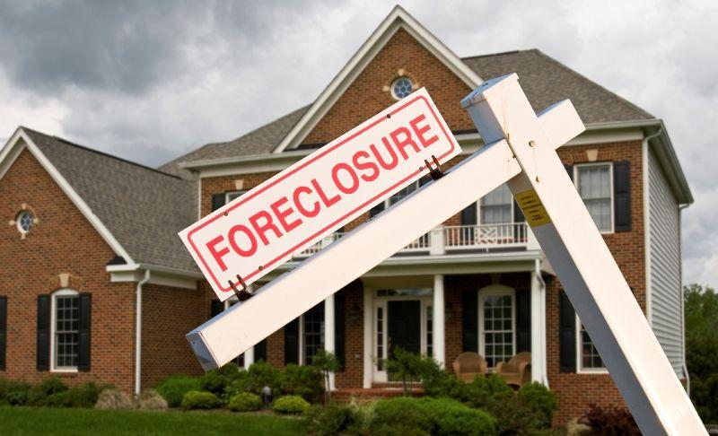 Fewer Foreclosures May Bring Bigger Deals Banks may be