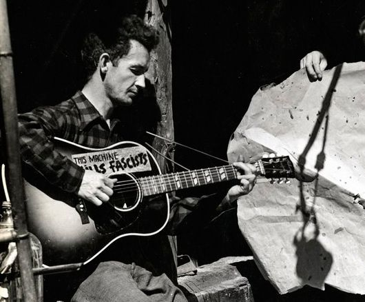 Traduzco Canciones: This Land is Your Land - Woody Guthrie