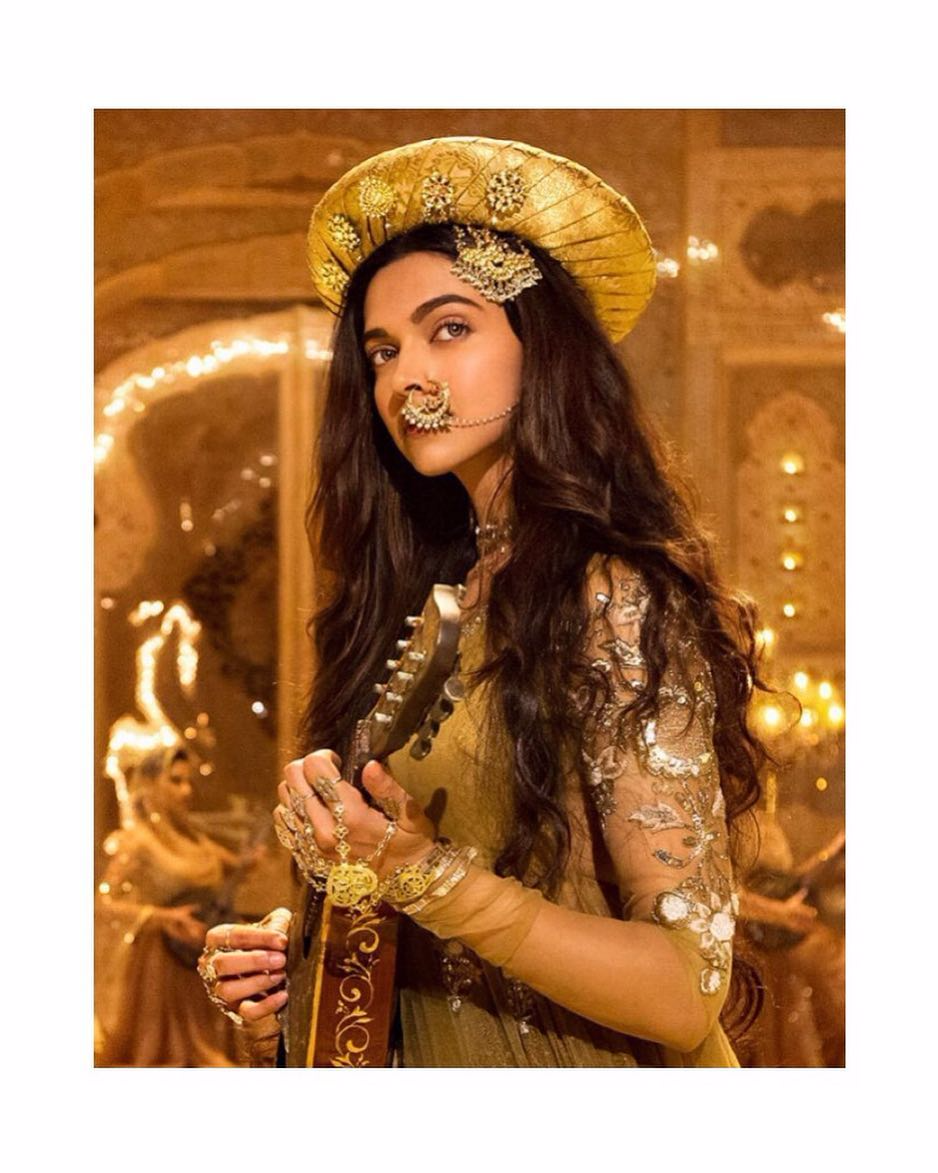 Deepika Padukone S Full Biography And Life Story That Will Inspire You Wiki Star Deepika Padukone Mastani Bollywood Fashion