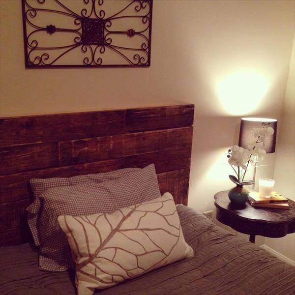 Old Recycled Pallet Headboard #recyceltepaletten Old Recycled Pallet Headboard #palletheadboards