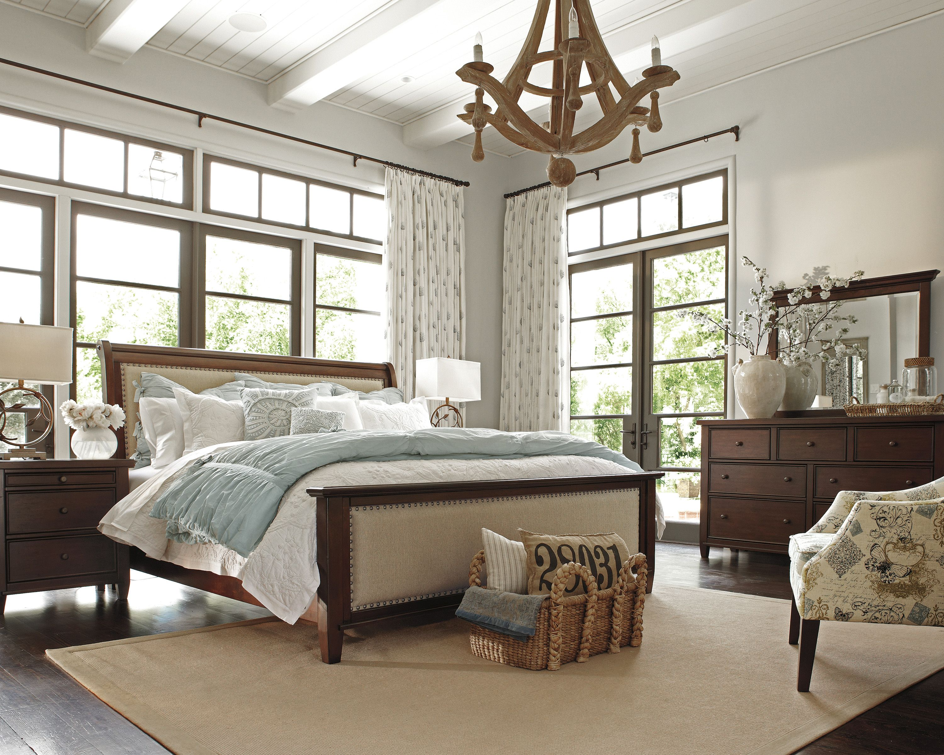 Hindell park bedroom by Ashley Furniture