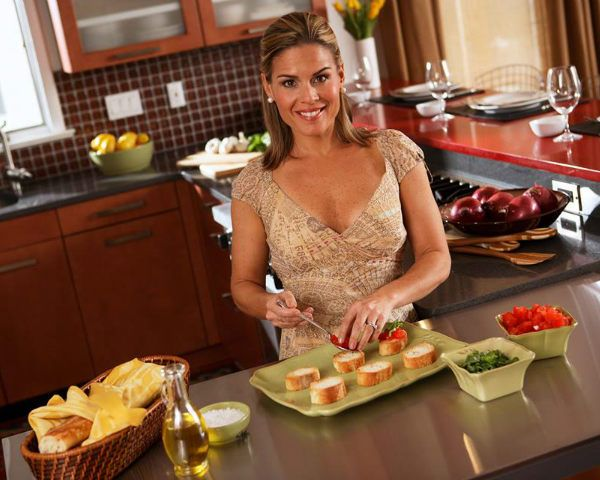 Top 10 Answers From Iron Chef Cat Cora S Reddit Ama Tv Food Iron Chef I Chef