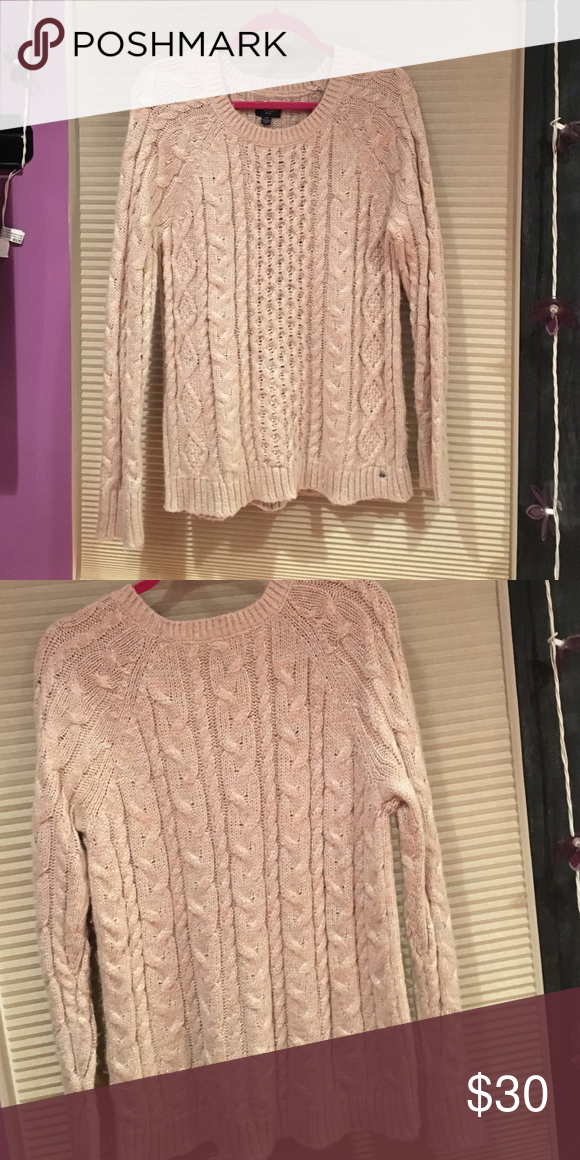 Crochet knit sweater Has a hint of sparkle American Eagle Outfitters Sweaters Crew & Scoop Necks