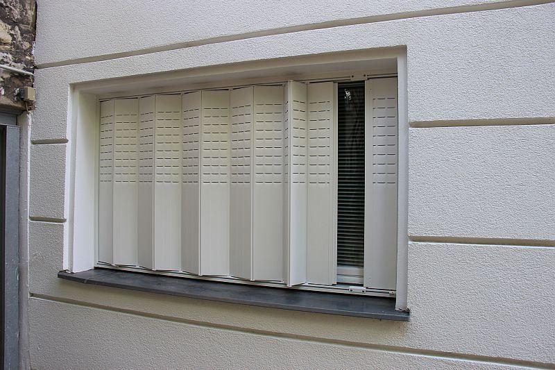Persiane a libro cerca con google finestra cornice outdoor decor decor e home decor - Persiane per finestre scorrevoli ...