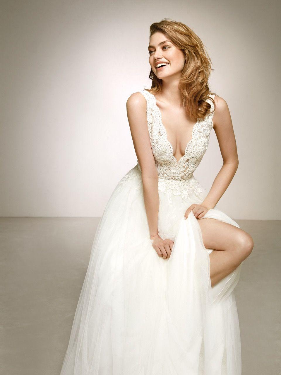 New In Zauberhaftes Brautkleid Von Pronovias Modell Dalgo Pronovias Weddingdesign Bridaltrends Kleid Hochzeit Brautkleider Romantisch Pronovias Brautkleid