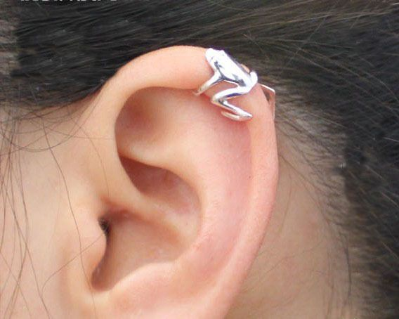 Silver or Gold Toned Frog Ear Cuff. Starting at $1 on Tophatter.com!