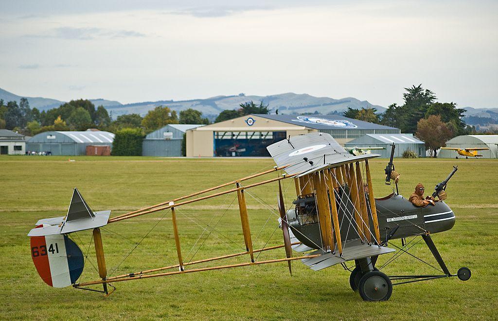 BritainsMilitaryHist @BritainsMilHist   F.E.2b - The airworthy WW1 replica built by Vintage Aviator Ltd makes its debut on 25 April 2009 at Hood Aerodrome, New Zealand