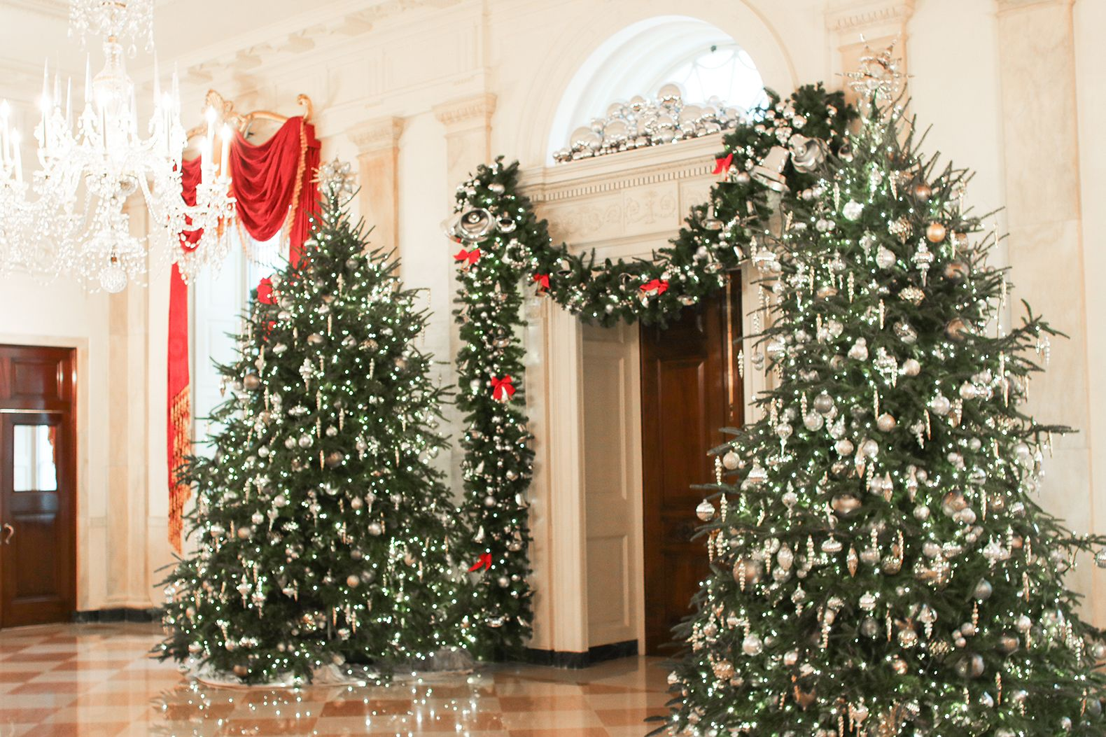 White House Holiday Decorations Meg Biram White House Christmas Tree White House Christmas White House Christmas Decorations