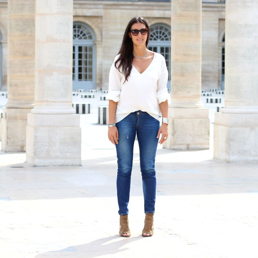 Spektre Sunglasses, Harpo Necklace, Les trouvailles d'Elsa Ring, Gas Bijoux Bracelets, Zara Shirt & Jeans, Sergio Rossi Shoes.