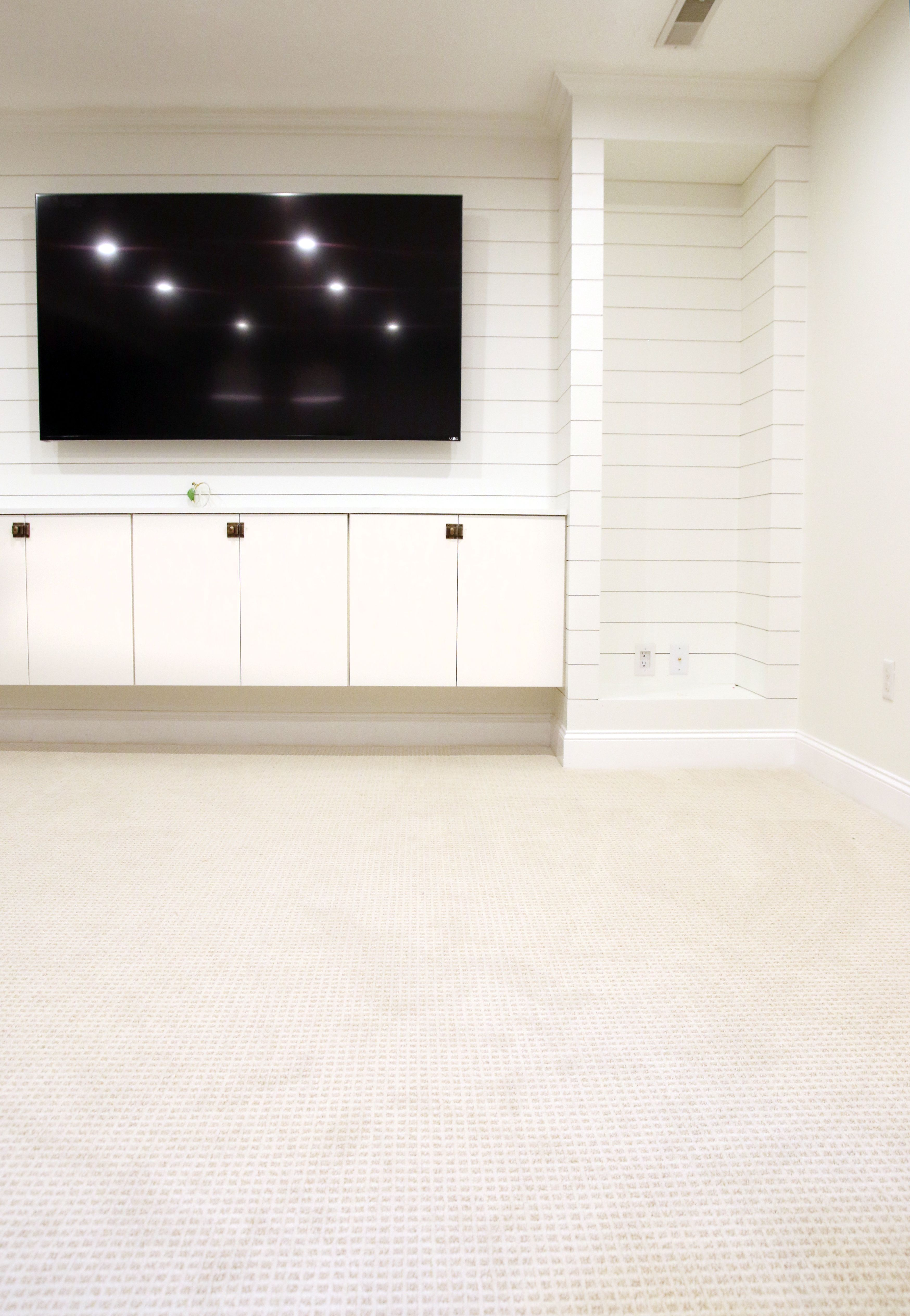 Tips For Choosing Wall to Wall Carpet in a Modern Family Setting