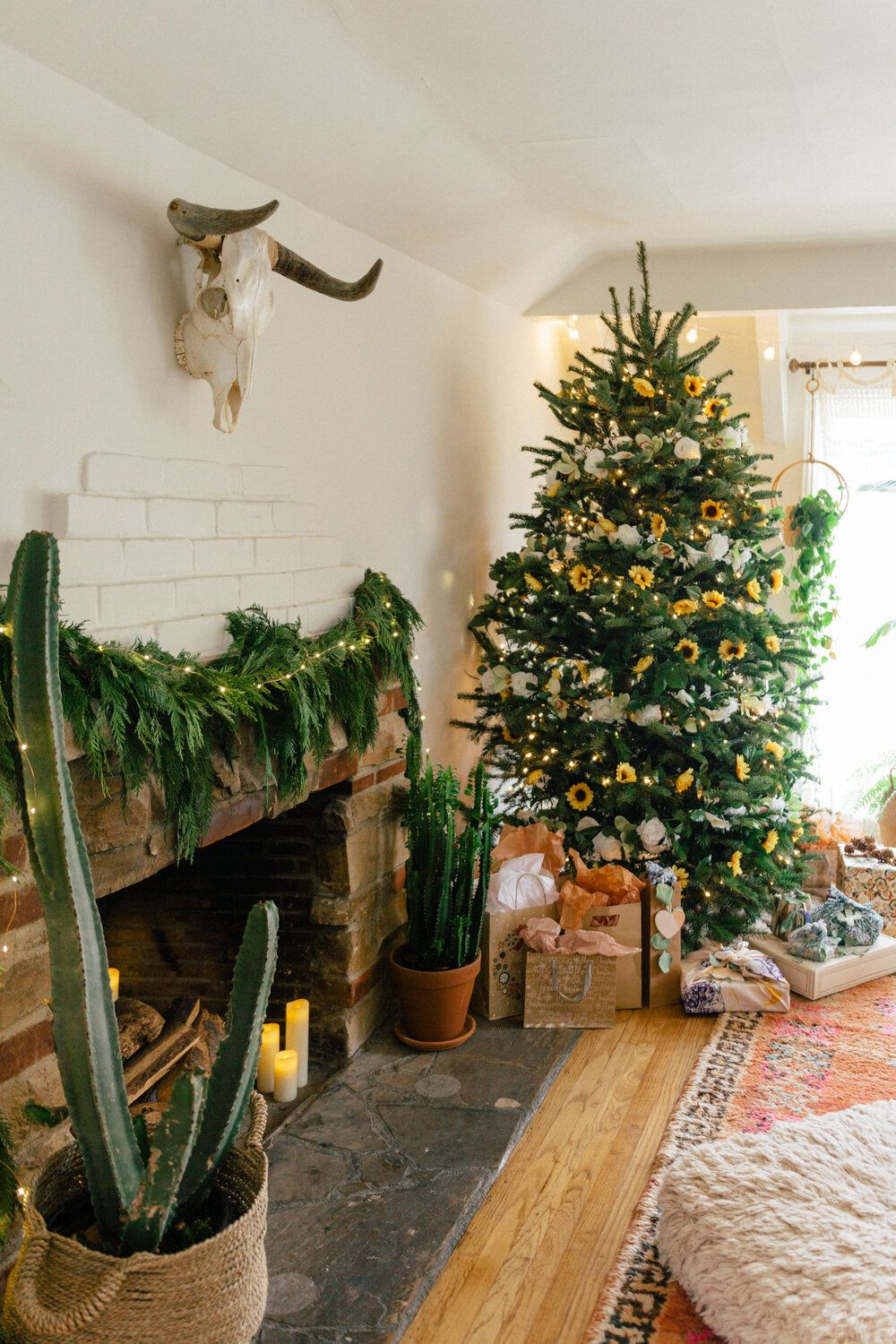 Sunflower Christmas Tree Black Blooms In 2020 Christmas Tree Cabin Christmas California Christmas