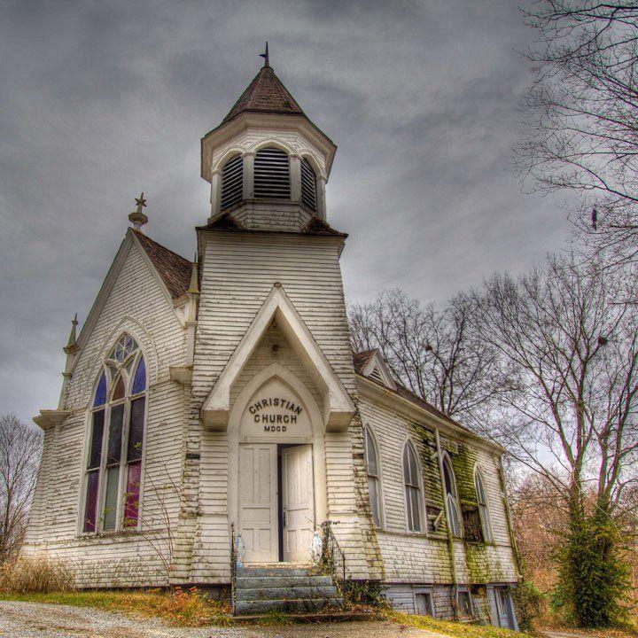 Christian Church Rochester Kentucky Usa Old Country Churches Country Church Church Steeple