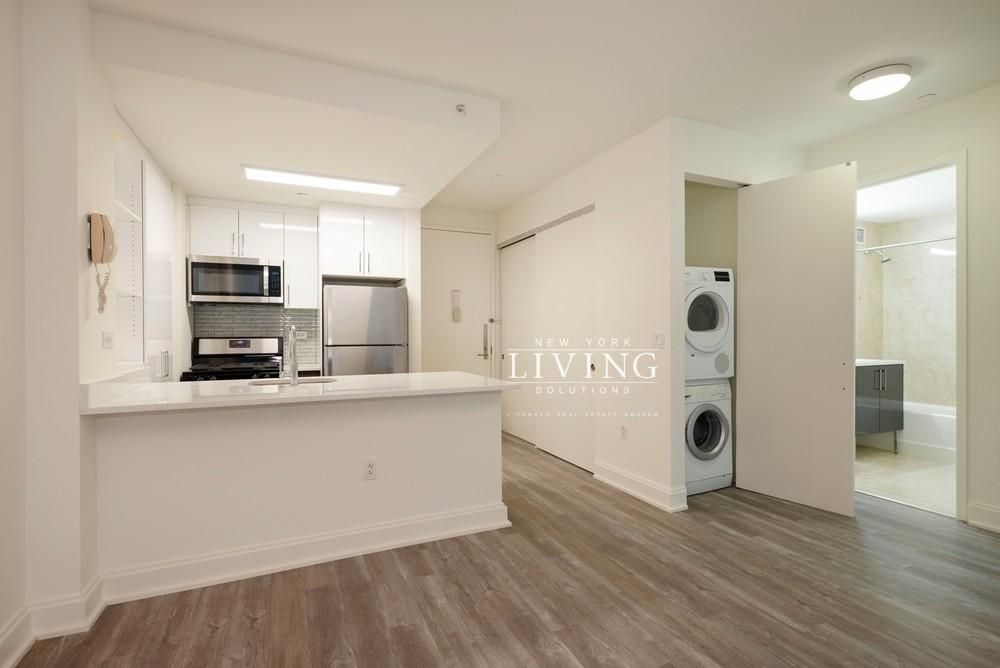 2 Bedrooms 1 Bathroom Apartment For Sale In Financial District Renting A House Apartments For Rent Small Apartment House