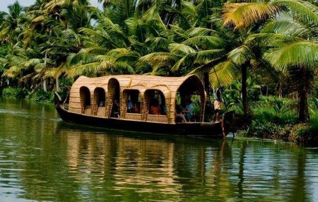 مقتل 21 في منطقة سياحية هندية بسبب حمى الدنج السياحة في الهند Kerala Tourism Kerala Backwaters Kerala Travel