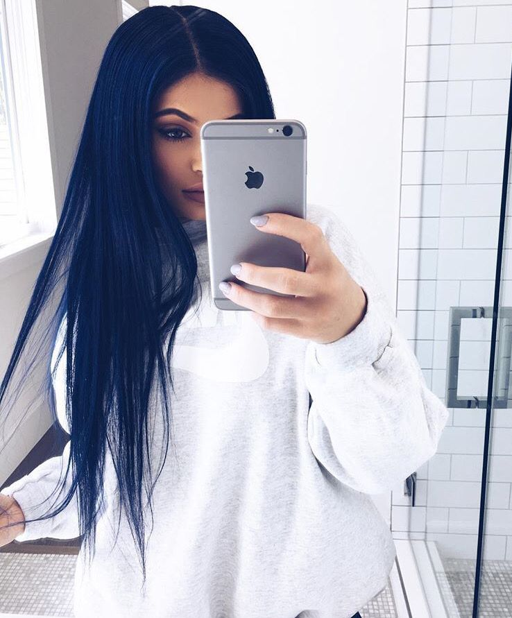 Heres Exactly How To Copy Kylie Jenners Navy Blue Hair Midnight