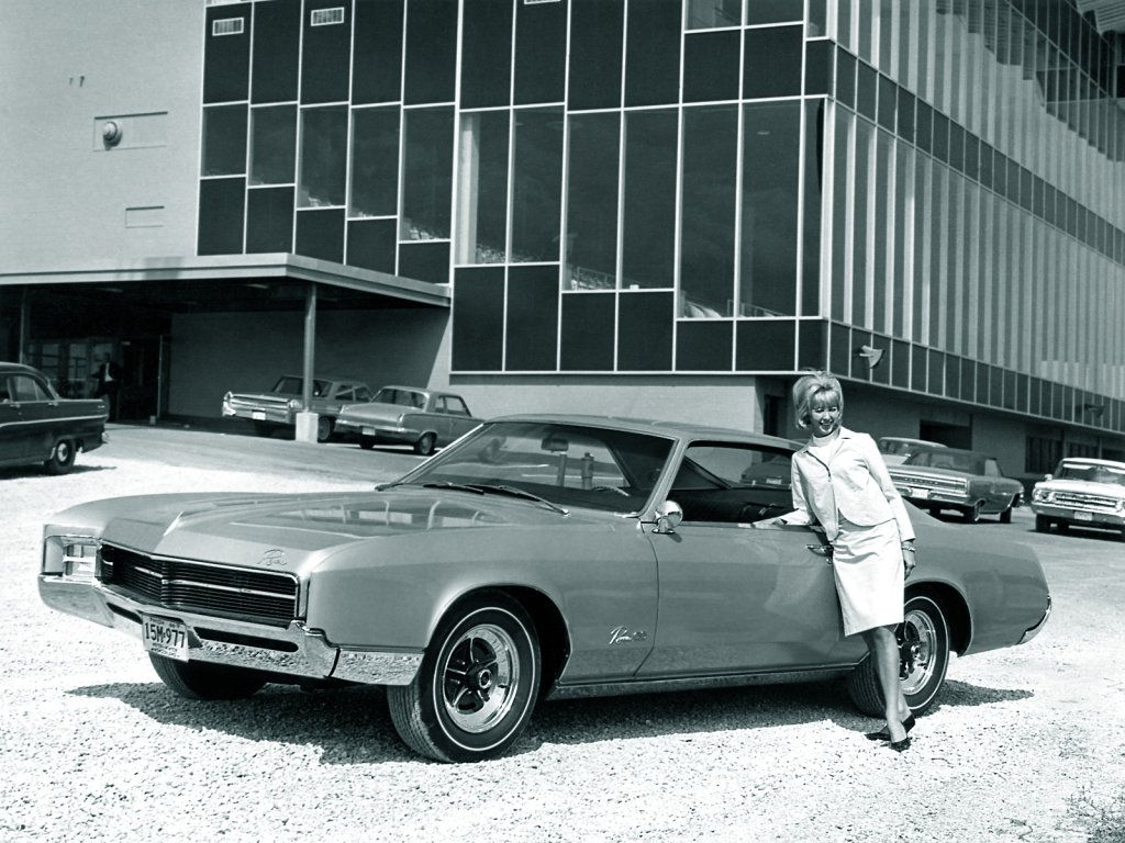 In 1966 buick riviera received completely new body made on the new platfrom 1967 buick riviera get new 430 cui engine