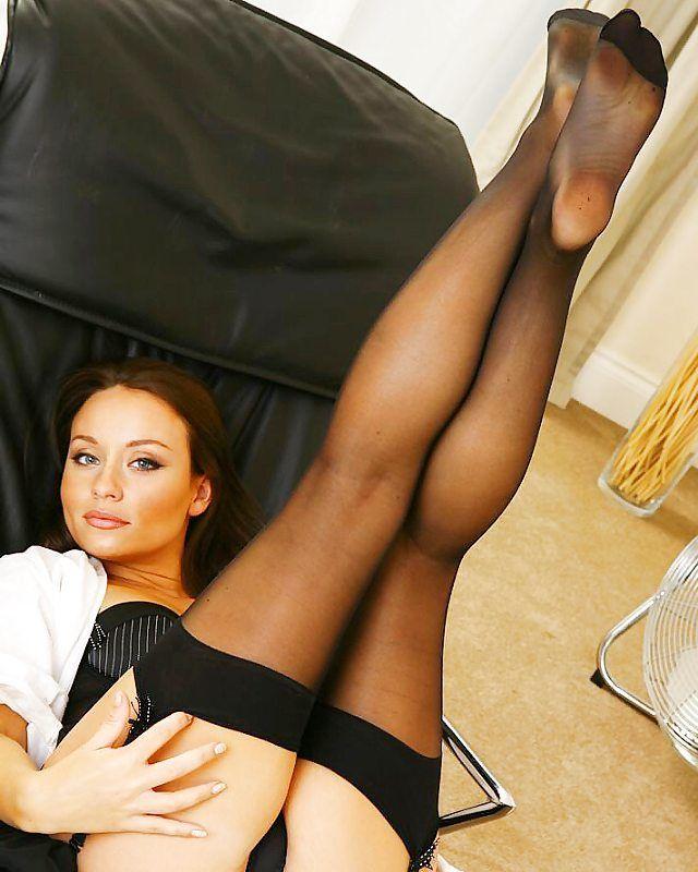 British Slut Carla In Brown Ff Stockings Porn Pics