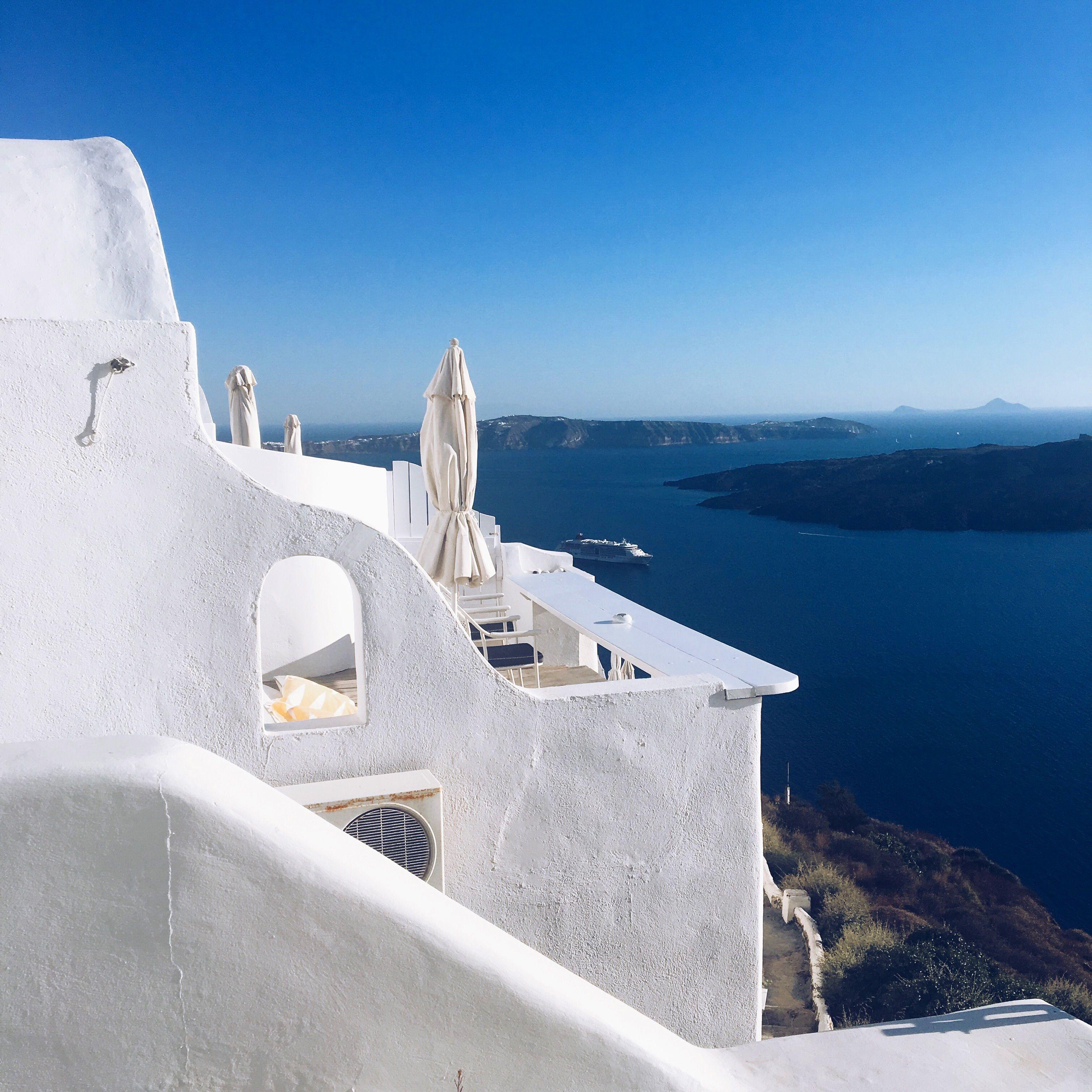 Santorini, Greece 🇬🇷   Greek islands, Places to visit, Greece
