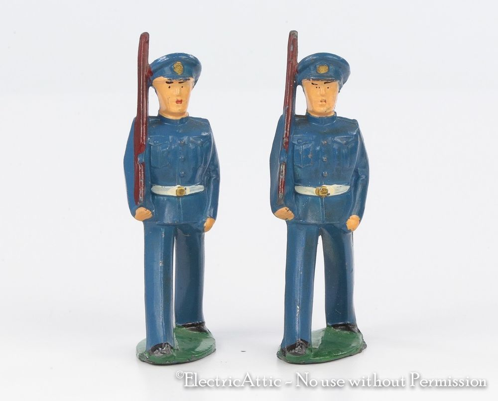 Barclay Manoil Lead Toy Soldier Dime Soldiers Blue Uniforms marching ...