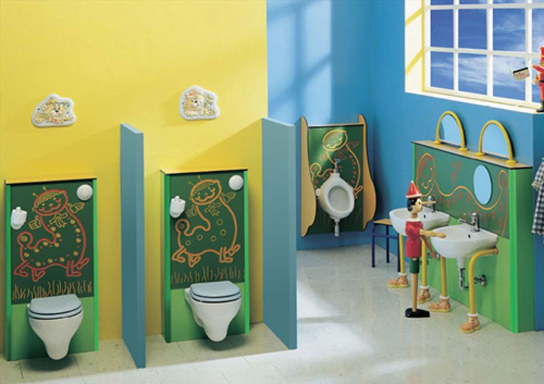 Merveilleux Cute Decorating Bathroom Ideas With Yellow And Blue Wall Color And Double  White Free Standing Also