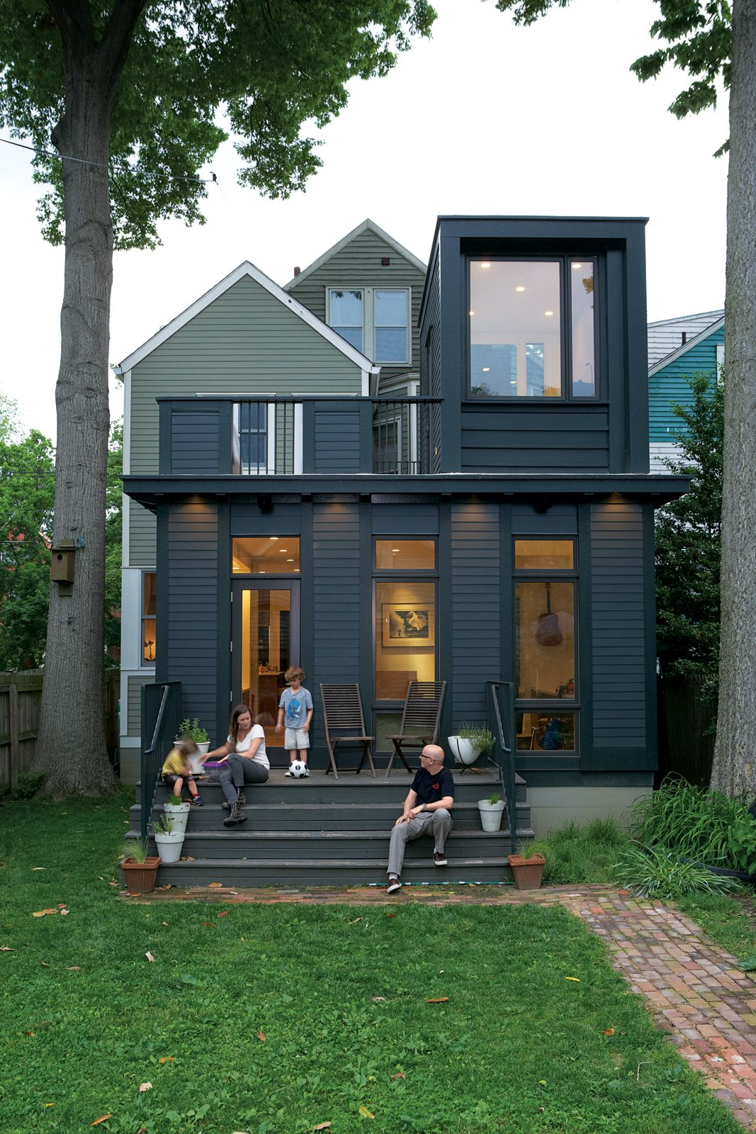Photo 4 Of 5 In Modern Addition In Louisville Exterior Paint Colors For House Facade House House Exterior