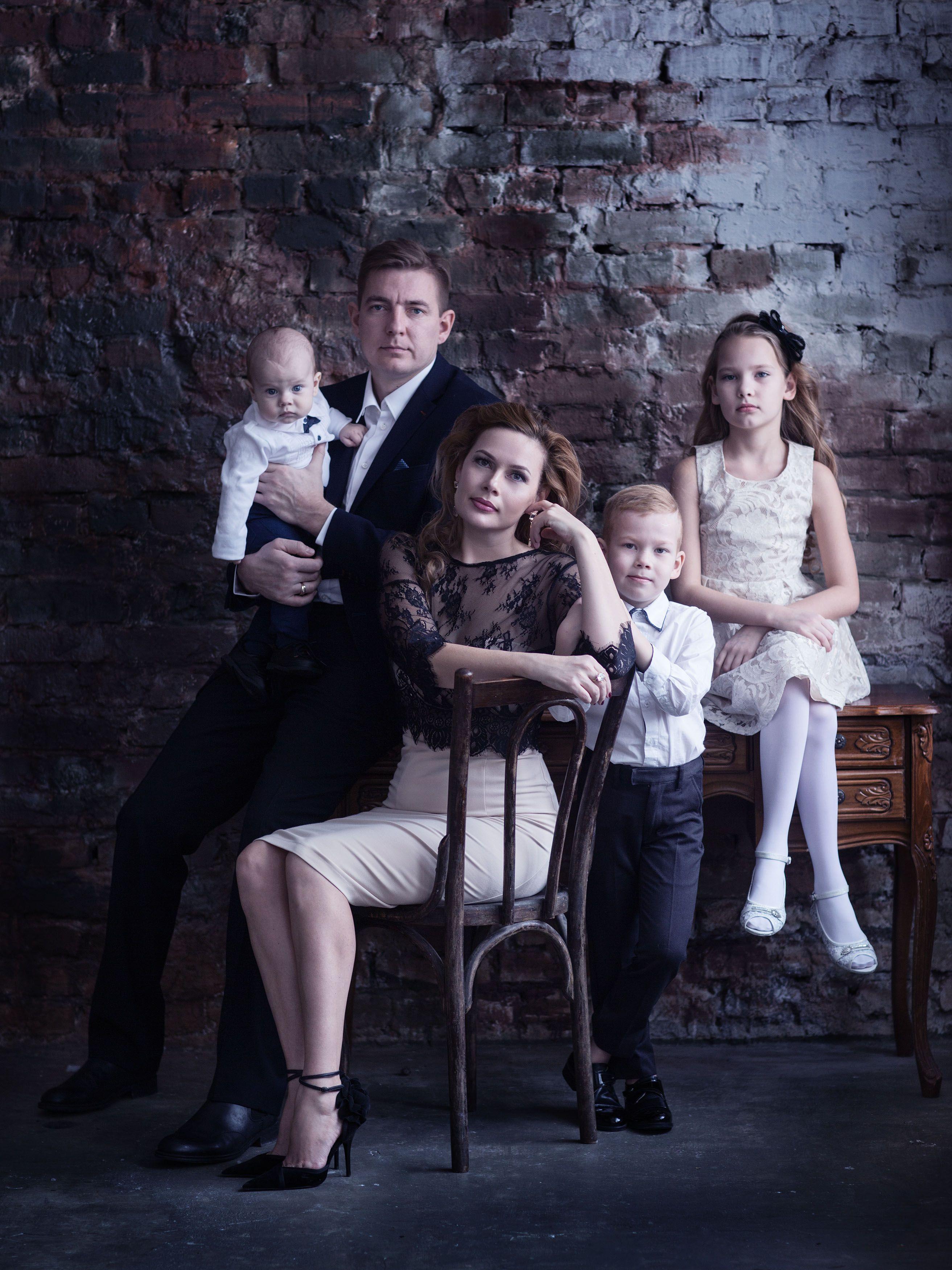 что идеи фото семье дома пистолете она выполняет