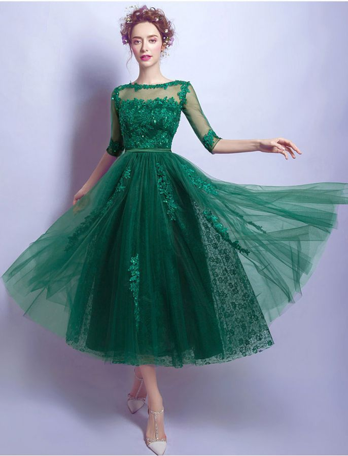In Green 2017 Elegant Cocktail Dresses A-line Cap Sleeves Knee Length Lace Backless Homecoming Dresses Novel Design;