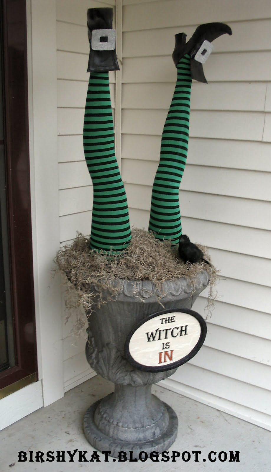 Halloween Urn Decorations 50 Chilling And Thrilling Halloween Porch Decorations  Urn