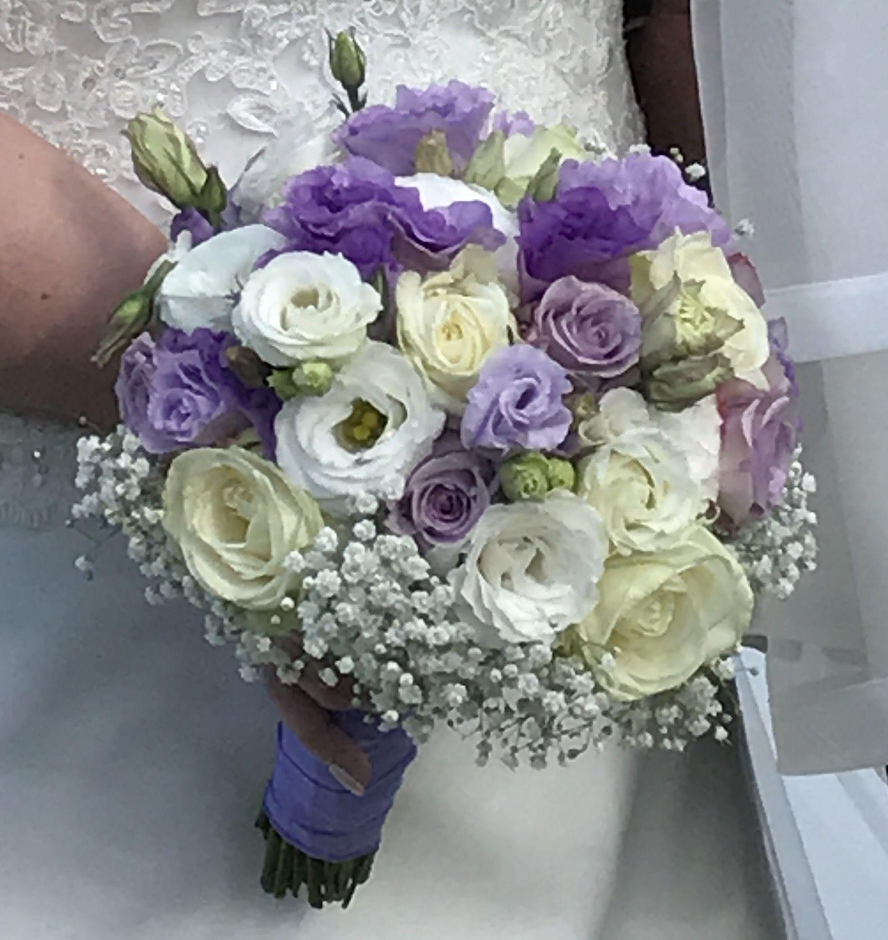 Bouquet Sposa Lilla E Bianco.Bouquet Lisianthus Bianco E Lilla Bouquet Matrimonio