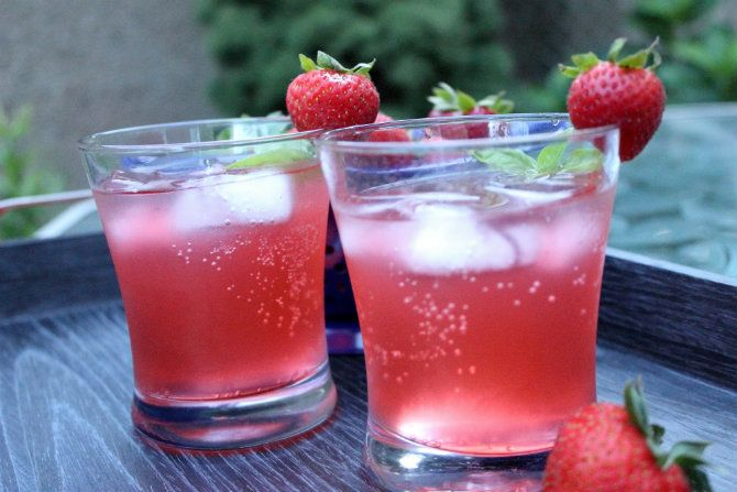 Oscar Night Cocktail Red Carpet Rum Punch Recipe Strawberry Basil Lemonade Basil Lemonade Lemonade Cocktail