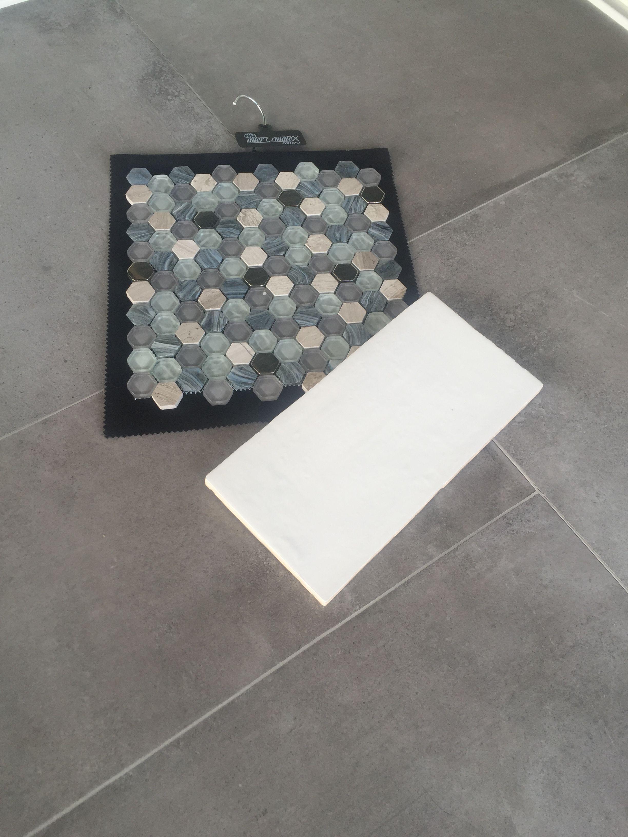 Badkamer Tegel Betonlook : Welke vloer in badkamer best of pvc vloer tegels betonlook