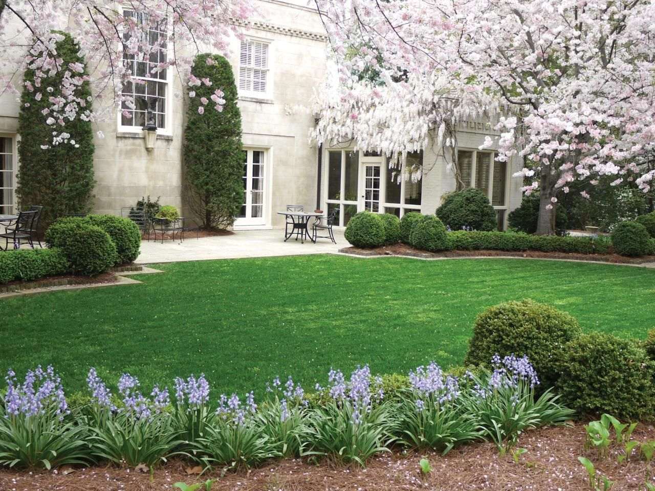 Elegant Spring Blooming Garden With Cherry Trees Front Landscaping Beautiful Gardens Landscape Design