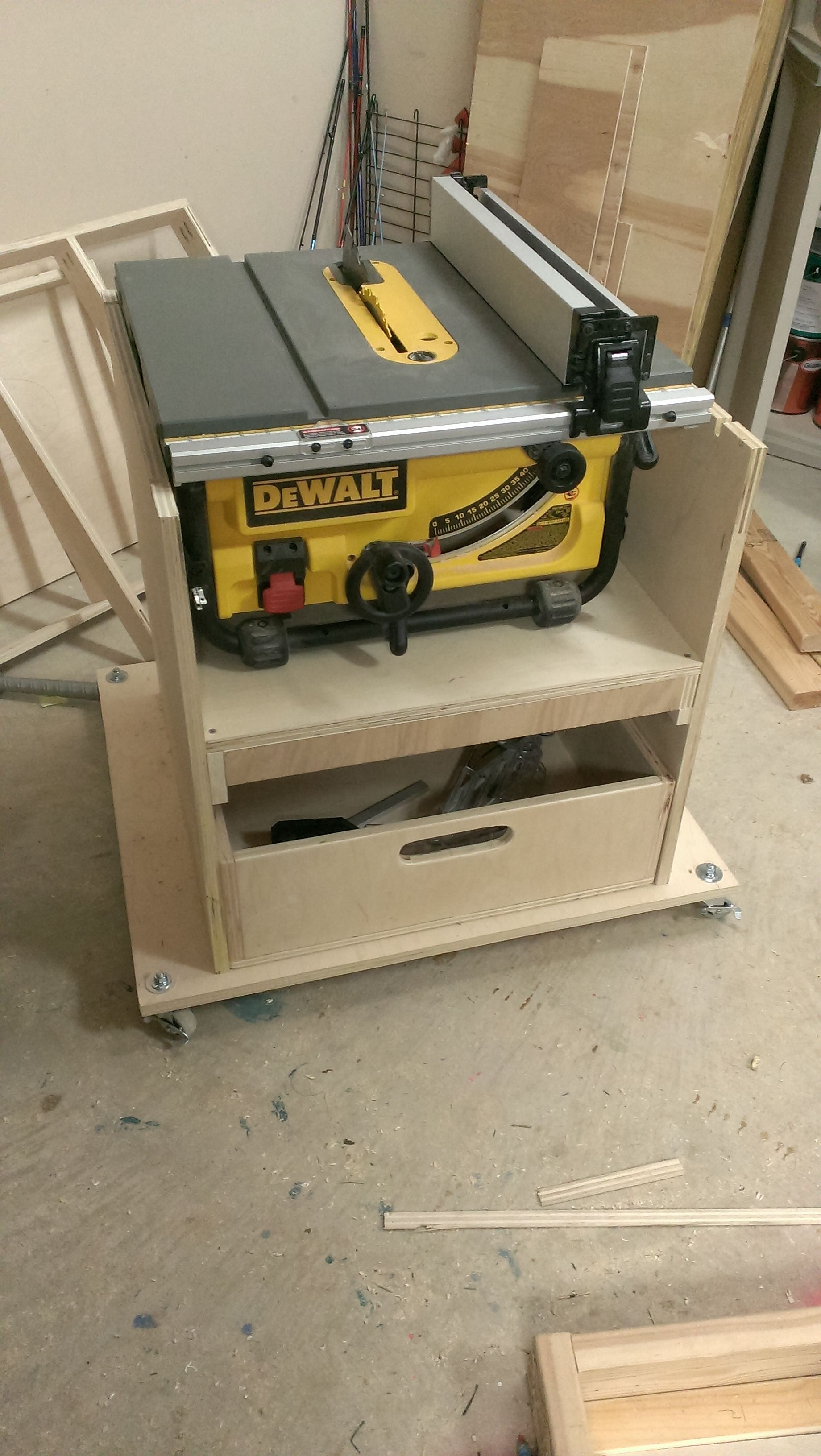 Mobile Stand For My New Table Saw 2014 03 23 20 28 45 Jpg Diy Table Saw Portable Table Saw Table Saw