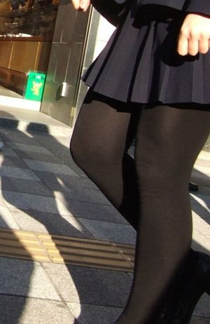 ドキドキ「黒タイツ」女子高生のスカート画像が意外と興奮する件 JK - d amp auml nisches bettenlager schlafzimmer
