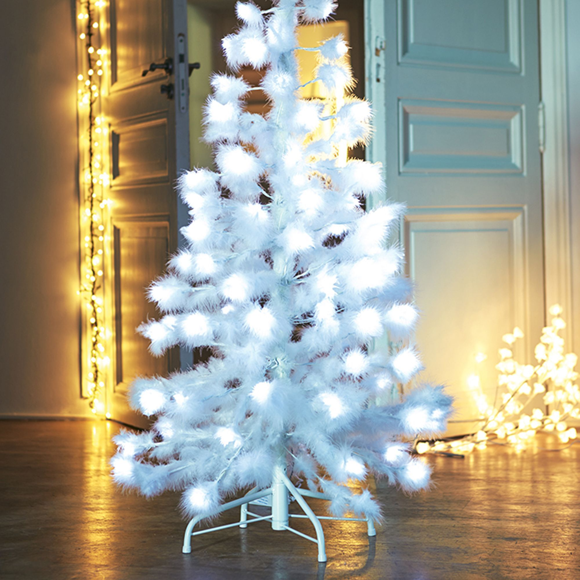 Sapin lectrique plumes 1m20 blanc sapin plumes for Decoration noel interieur