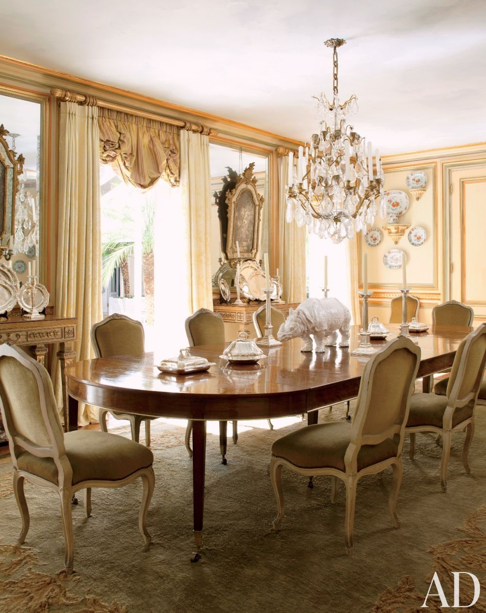 Savonnerie Rugtraditional Dining Roomjorge Elias In São Awesome Dining Room Traditional Decorating Design