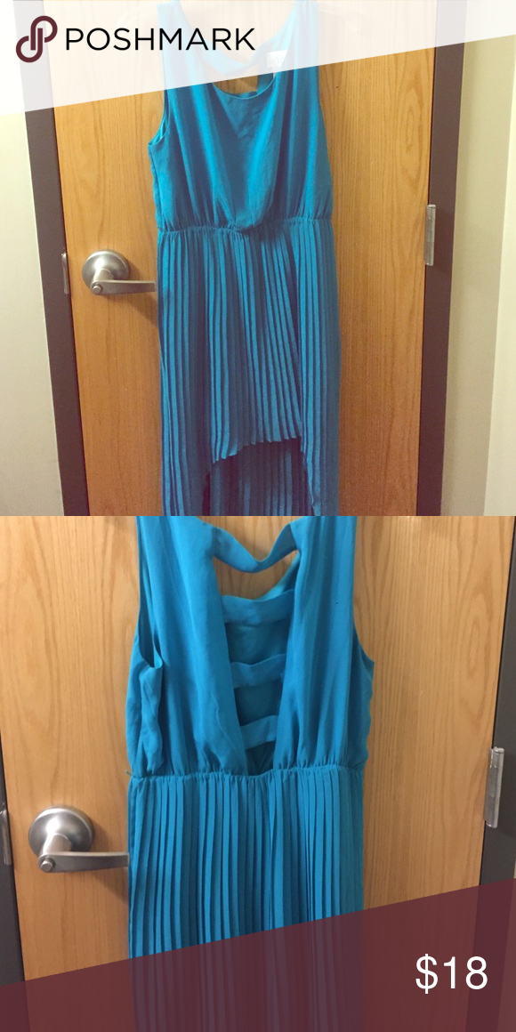 Dress teal, pleated dress with a cute cutout back! Dresses High Low